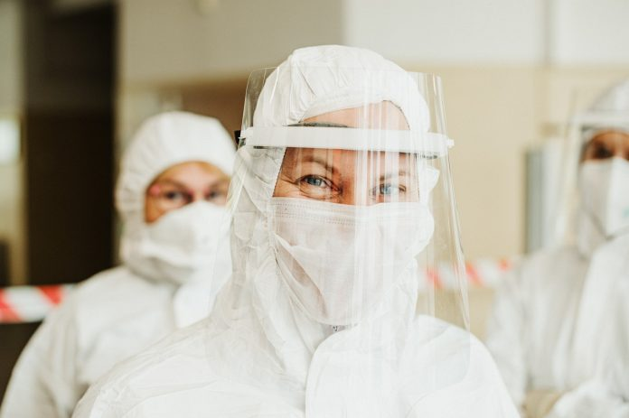 protective-suit-5716753_1280